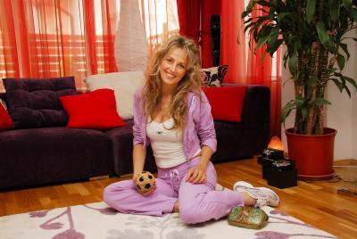 """Florentina OPRIŞ   Premiul """"Femeia anului 2009"""" pentru Iniţiativă în Sprijinul Semenilor"""